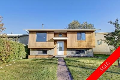 Airdrie Meadows House for sale:  3 bedroom 853 sq.ft. (Listed 2019-10-04)